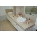 lavatório com mármore branco